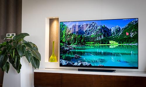 OLED E8 - TV 4K màn hình đặt trên kính