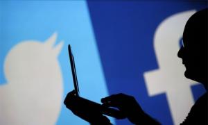Tương lai bất ổn cho cả Facebook và Twitter