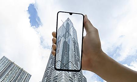 Giới trẻ Sài Gòn sáng tạo ảnh chụp các tòa tháp cao tầng