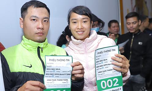 Oppo tặng 300 phần quà Tết Reno2 F cho khách hàng Hà Nội