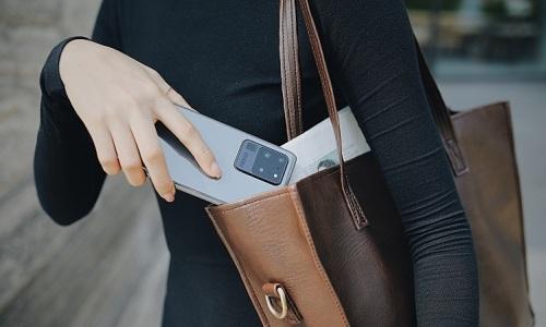 FPT Shop hỗ trợ khách 'lên đời' Galaxy S20 với giá tiết kiệm
