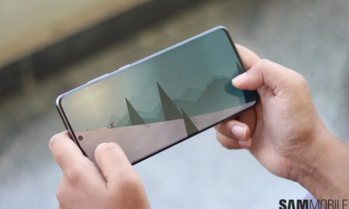 Galaxy S, Note gặp lỗi màn hình ám xanh