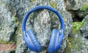 Tai nghe Sony chống ồn bằng AI, pin 35 tiếng