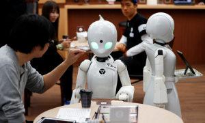 Nhật Bản dùng robot thay thế lao động chân tay