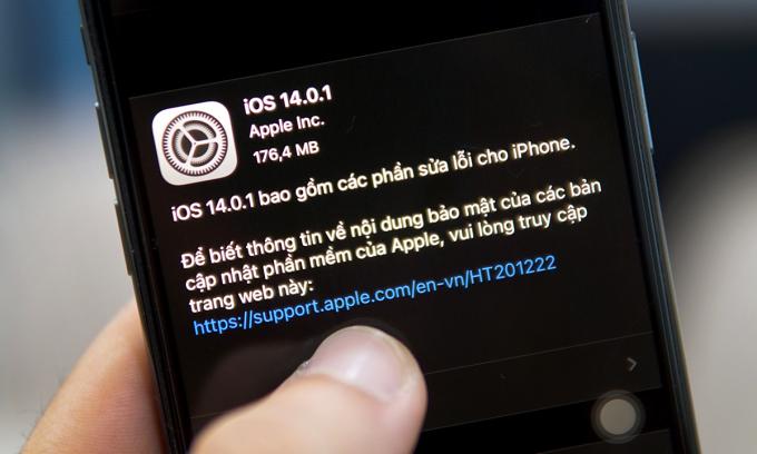 iOS 14 có bản sửa lỗi đầu tiên