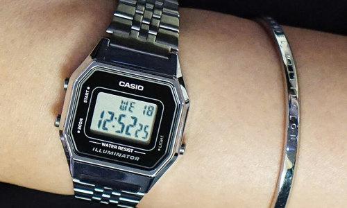 Mua đồng hồ tại FPT Shop hưởng khuyến mại