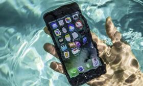 Apple bị phạt 12 triệu USD