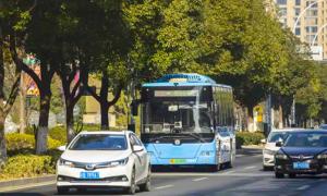 Đường thông minh 'trò chuyện' với xe tự lái