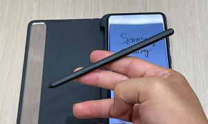 Galaxy S21 Ultra cần ốp lưng để gắn S Pen