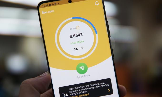 'Cơn sốt' đào tiền ảo bằng điện thoại