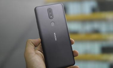 5 smartphone phổ thông nổi bật