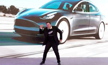 Tesla 'xoa dịu' Trung Quốc về dữ liệu thu thập