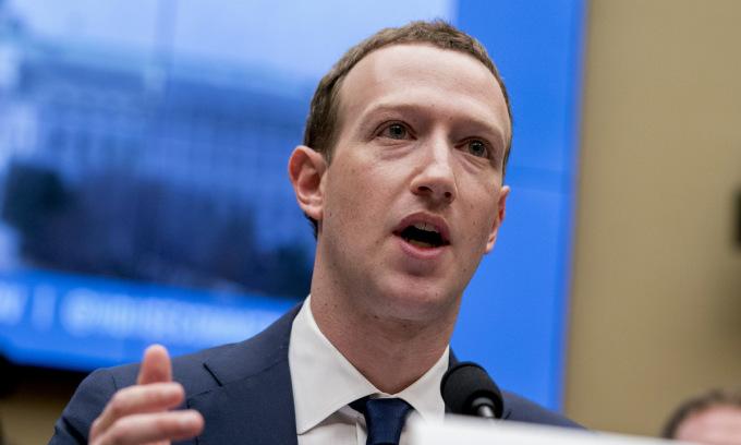 Facebook chưa thể sánh cùng Apple, Google