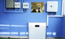 Hệ thống điện mặt trời cho gia đình điều khiển bằng AI