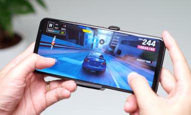 Asus ROG Phone 5 giá 22,9 triệu đồng