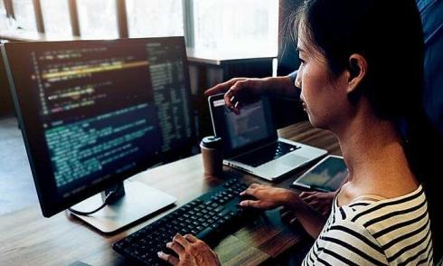 Kỹ sư IT Việt Nam đang nhận lương bao nhiêu một tháng