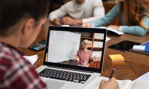 Dạy học online kết hợp offline là xu thế của tương lai