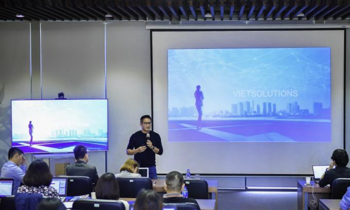 Đại dịch tạo cơ hội hợp tác giữa 'sếu đầu đàn' và startup