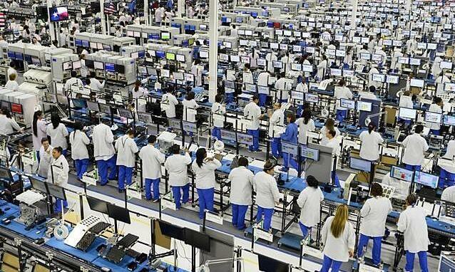 Foxconn tuyển 10.000 nhân công một ngày để sản xuất iPhone 13