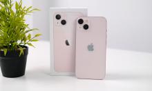 Ảnh thực tế iPhone 13 màu hồng