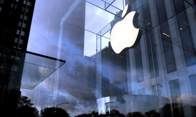 Apple trì hoãn thay đổi chính sách thanh toán trên App Store