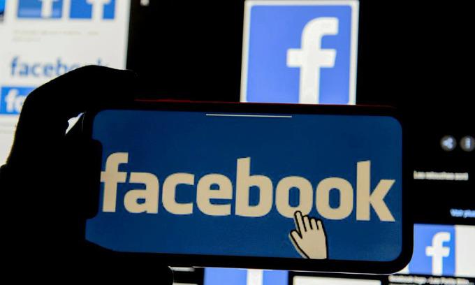 Facebook lại bị chỉ trích 'khai thác' người dùng