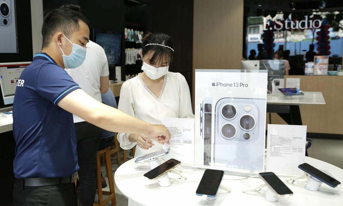 iPhone 13 đạt doanh số kỷ lục tại Việt Nam